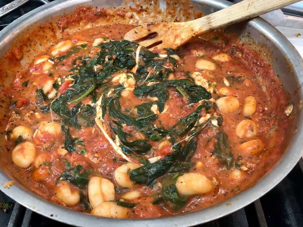 Gnocchi with spinach and mozzarella