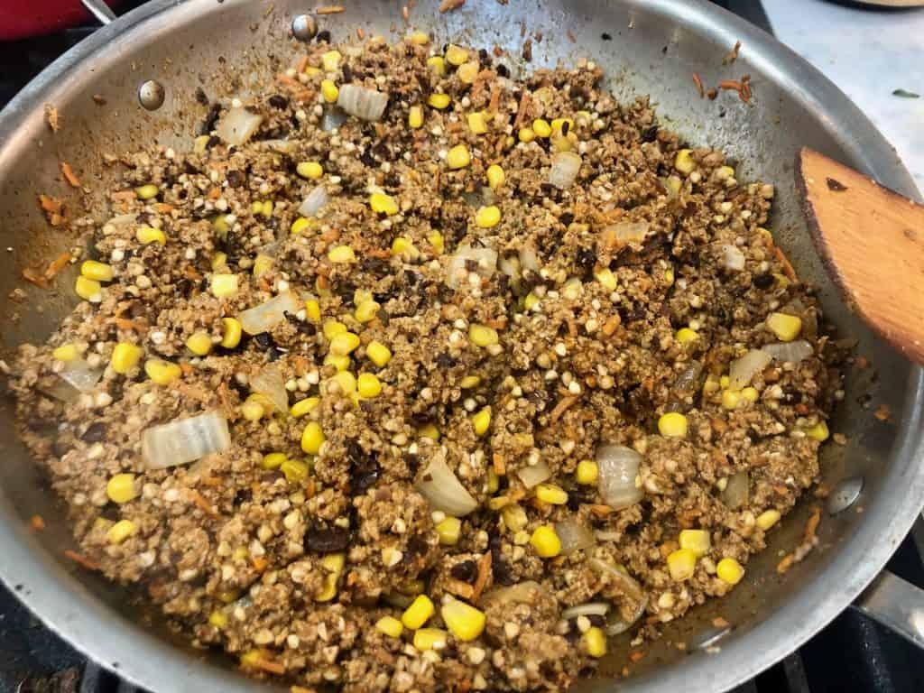 Seasoned turkey meat with onions