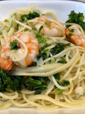 Butter and white wine shrimp pasta