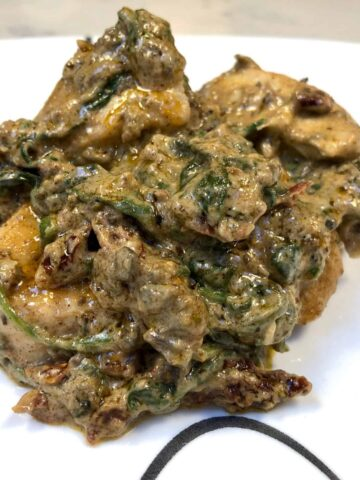 Creamy chicken with spinach and mushrooms