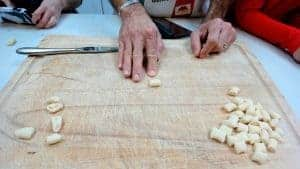 Making cavatelli with your finger