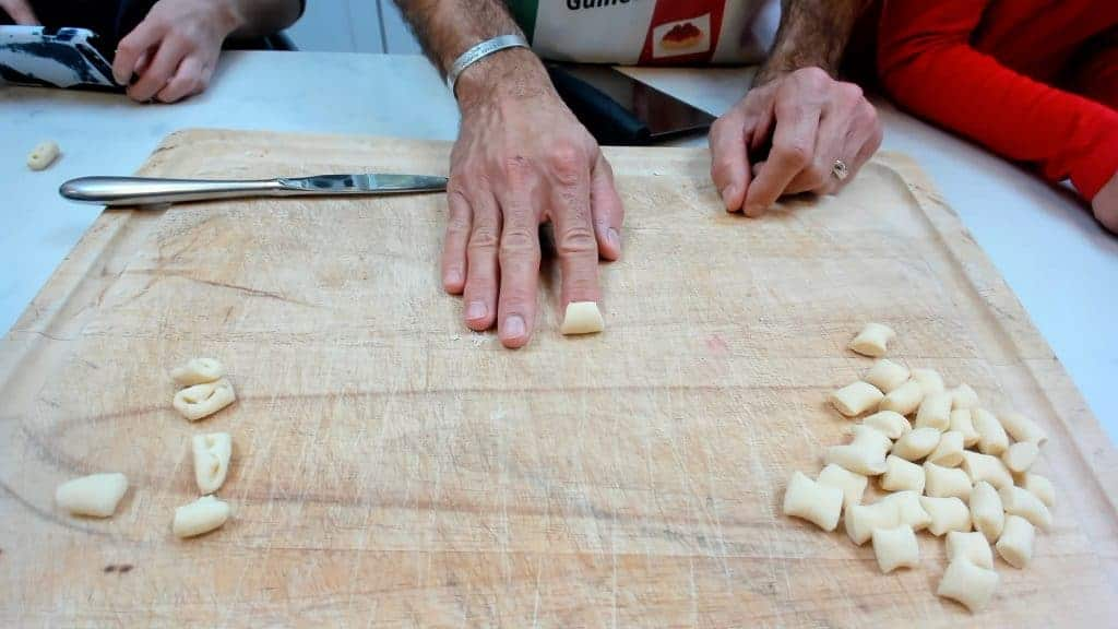 Making cavatelli with you finger