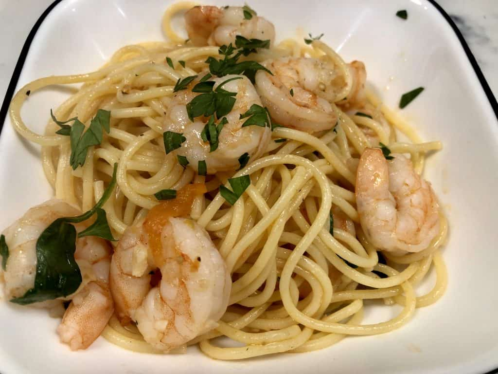 Shrimp and tomato pasta with spinach