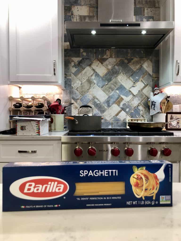 a box of barilla spaghetti