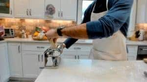Flattening pasta dough
